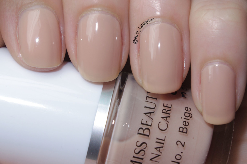 Miss Beauty beige swatch (1)
