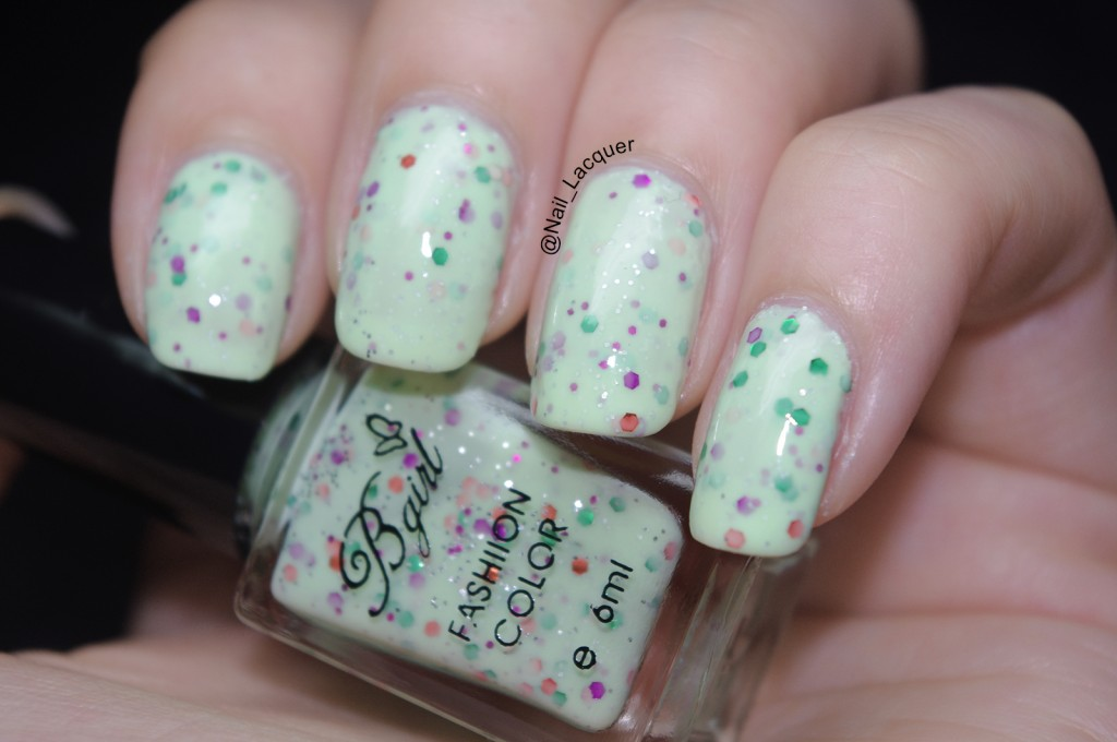 born-pretty-store-bgirl-sparkle-yogurt-milky-glitter-polish-review (9)