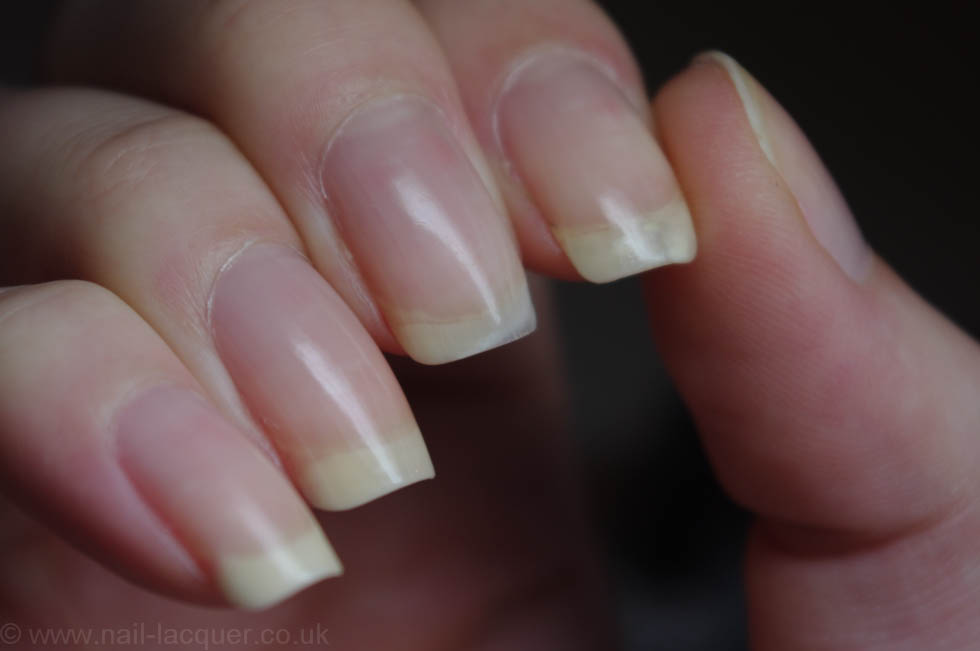 How-to-avoid-nail-polish-stains (2)