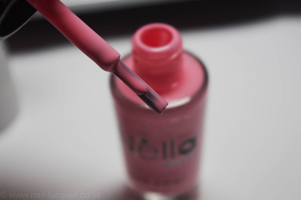 Nella-Milano-nail-polish-review-and-swatches (15)