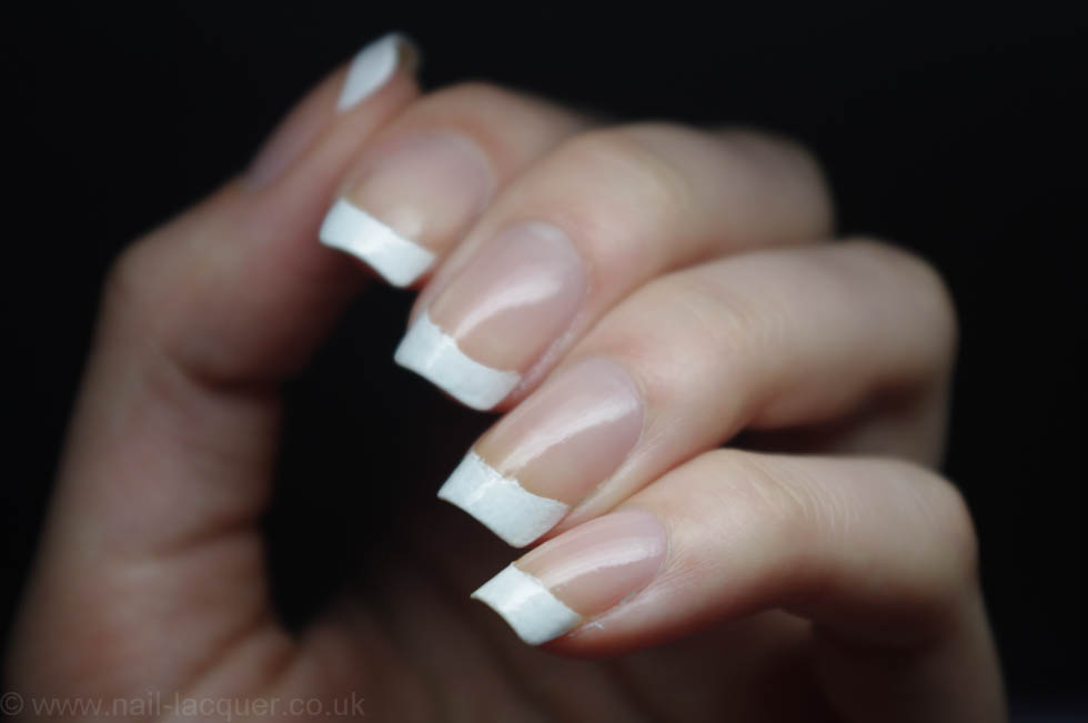 how-to-get-perfect-french-tips (7)