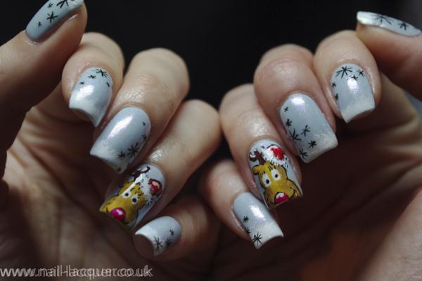 20131222-reindeer-nail-art