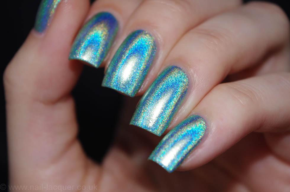 christmas-presents-nail-art (1)
