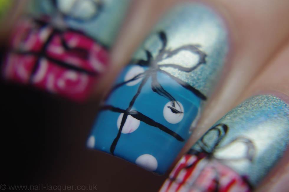 christmas-presents-nail-art (10)