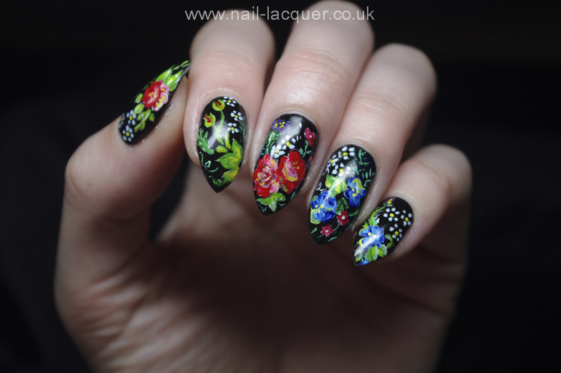 Russian-flowers-nail-art (12)