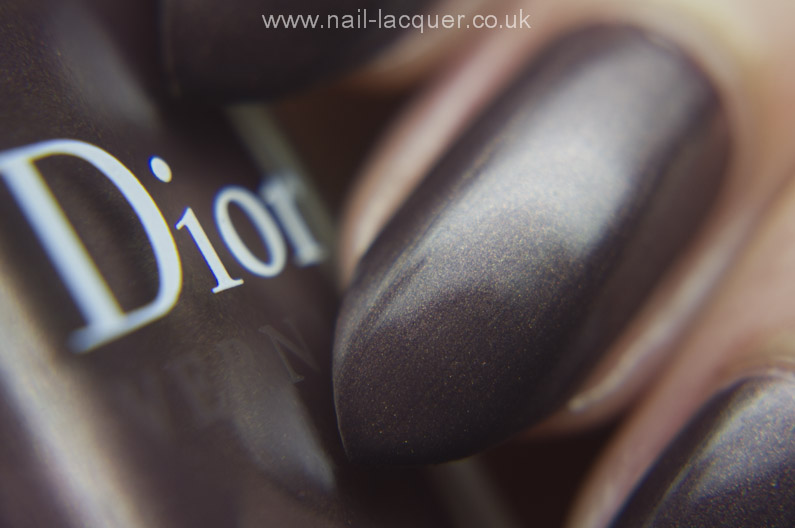 dior-Aztec-Chocolate-swatch  (4)
