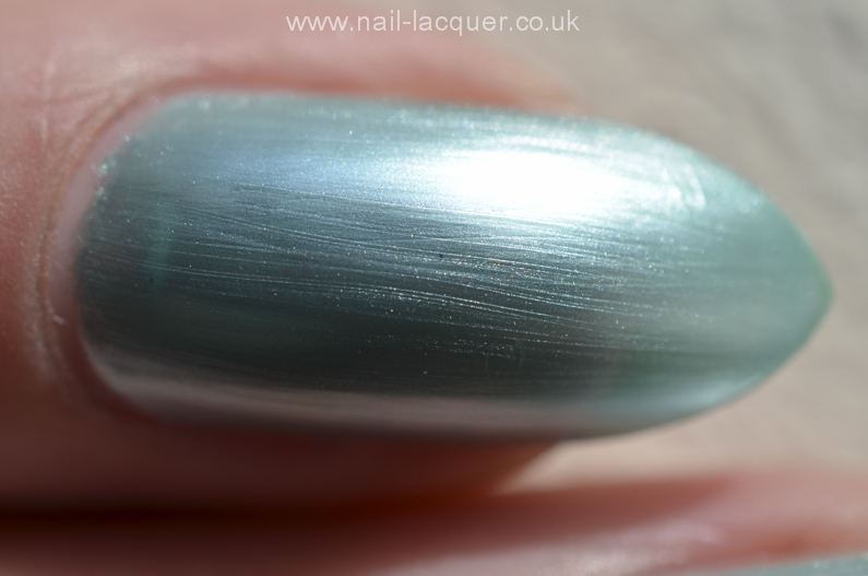 DelSol-colour-change-nail-polish-review (4)