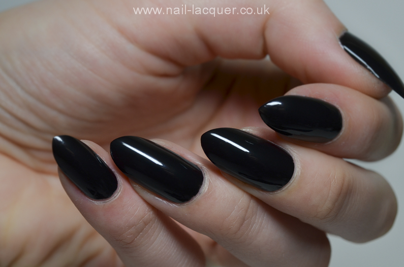 GlamLac-black-swatches (9)